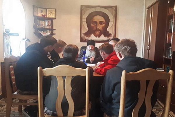 Священнослужитель встретился с несовершеннолетними, состоящими на учете в УИИ