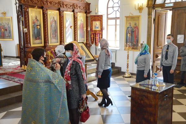 В храме иконы Божией Матери «Всех скорбящих радость» совершили молебен о сотрудниках уголовно-исполнительной системы
